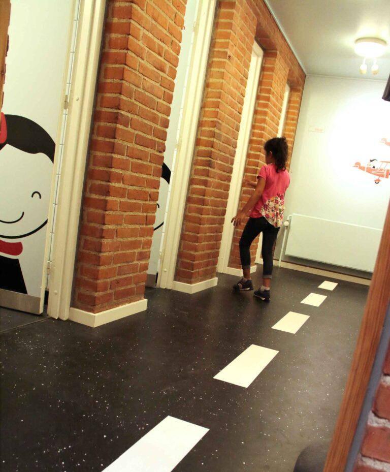 Skoletoiletter. DR viser skoletoiletter. Brave skaber trivsel på skoletoiletterne. Skoletoiletter skal anvende Toilet Heaven