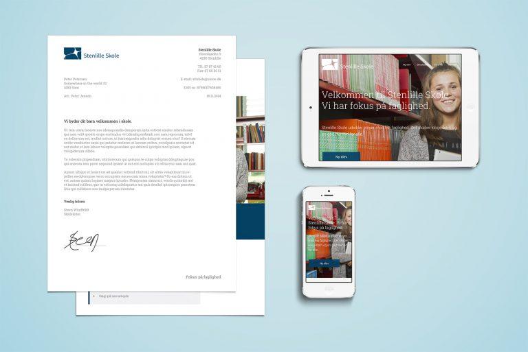 Grafisk design til folkeskolen. Brochure, logo og pay off. Stenlille Skole – nyt design, kommunikation og web