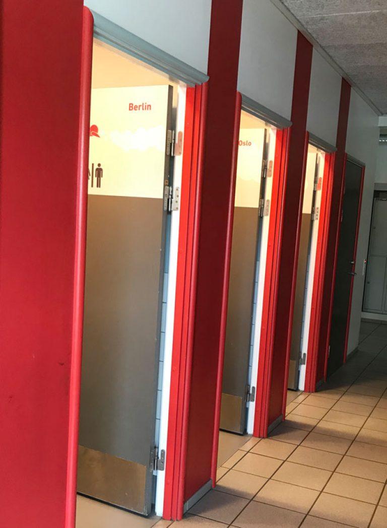 Efter-billede af renovering af SFO-toiletgang. Brave