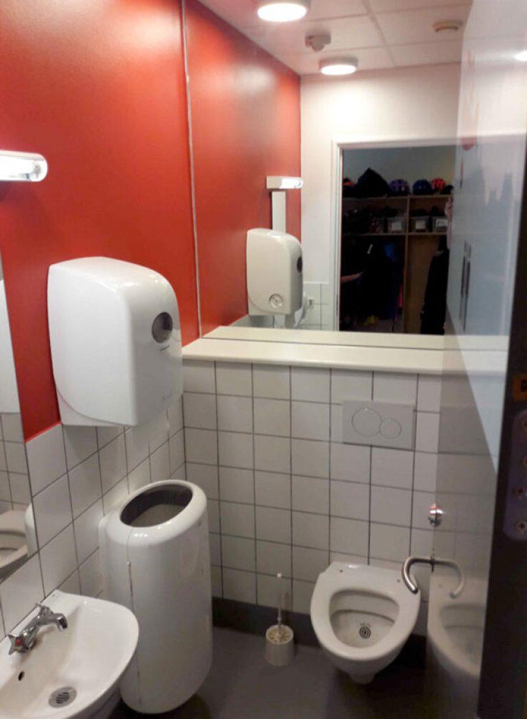 Efter-billede af renovering af SFO-toiletterne. Brave